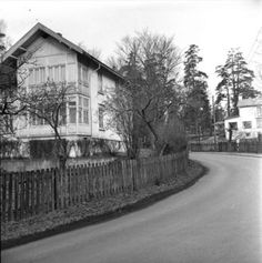 The neighborhood of Festung Furulund, Gestapo HQ in Oslo during WWII Pink Triangle, Oslo, Wwii, The Neighbourhood, Cabin, House Styles, Outdoor, Outdoors