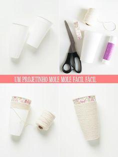 Dê um toque de personalidade a copos básicos com fita adesiva colorida e barbante.   26 ideias geniais para organizar seus itens de maquiagem