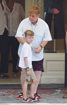 Elton John reportedly treated his husband David Furnish to an Rolex watch on Thursday, as he enjoyed a family outing with their two sons in Portofino. Elton John Lion King, Elton Jon, Pop Punk, Elton John Partner, Elton John Costume, Neil Patrick, David Furnish, Music Icon, 70s Music