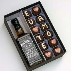 """Box with 12 Brigadiers """"Te amo"""" and Jack Daniels - Gourmet Order Jack Daniels, Gifts For Husband, Gifts For Him, Birthday Cupcakes, Birthday Gifts, Boyfriend Gifts, Gift Baskets, Anniversary Gifts, Diy Gifts"""