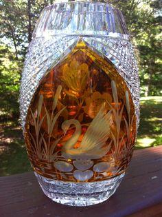 Vintage Etched Lead Crystal Amber Cut To Clear Julia Swan And Floral Vase Vase Centerpieces, Vases Decor, Old Vases, Large Vases, Vase Transparent, Vase Design, Round Vase, Vase Crafts, Vase Shapes