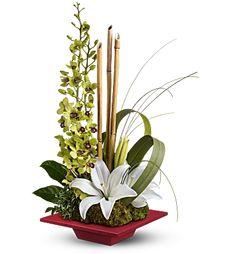 ideas flowers arrangements lily ikebana for 2019 Tropical Flowers, Tropical Flower Arrangements, Church Flower Arrangements, Beautiful Flower Arrangements, Exotic Flowers, Flower Centerpieces, Flower Decorations, Beautiful Flowers, Centerpiece Wedding
