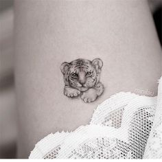30 Super Cool Tattoo Trends That Are SO Popular! Been considering getting a tattoo for a time? We have selected and picked 10 of our favorite attractive tattoos - take a look and acquire s Mini Tattoos, Cute Tiny Tattoos, Sexy Tattoos, Unique Tattoos, Tribal Tattoos, Pretty Tattoos, Awesome Tattoos, Sleeve Tattoos, Small Animal Tattoos