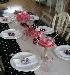 Love the colors and the polka dots for this baby shower -- it's just beautiful! We've got some pink and black polka dot baby shower favors that coordinate perfectly! Baby Shower Decorations, Table Decorations, Party Fiesta, Pink Parties, Deco Table, Shower Party, Bridal Shower, Girl Shower, Up Girl