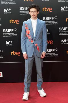 "Style File: Timothée Chalamet at the ""Beautiful Boy"" Photocall and Premiere at the San Sebastian Film Festival Zayn Malik, Niall Horan, Liam Payne, Louis Tomlinson, Mens Evening Wear, Harry Styles, San Sebastian Film Festival, Suits And Sneakers, Alexander Mcqueen"