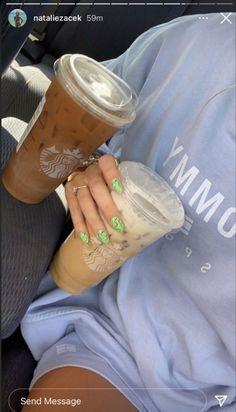 Aesthetic Coffee, Aesthetic Food, Tumbrl Girls, Starbucks Drinks, But First Coffee, Photo Dump, Coffee Break, Iced Coffee, Summer Girls