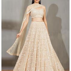 Lehenga Pattern, Soft Summer, Summer Colors, Bollywood Fashion, Everyday Outfits, Indian Wear, Indian Outfits, Two Piece Skirt Set, Bride