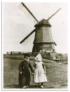 #NoordHolland #Volendam This was the windmill we saw in 2011!