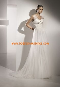 Pronovias belle robe de mariée empire pas cher avec bretelles col en V mousseline