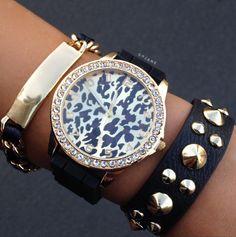 Jewelry Black Gold Leopard Lady Watch N Bracelet Set - Jewelry Accessories, Fashion Accessories, Fashion Jewelry, Gold Fashion, Black Gold Jewelry, Stylish Watches, Trendy Shoes, Diamond Are A Girls Best Friend, Bracelet Set