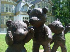 Trzy (łódzkie) Misie - pamiętacie tę bajkę? Garden Sculpture, Lion Sculpture, Teak, Statue, Outdoor Decor, Home Decor, Art, Art Background, Decoration Home