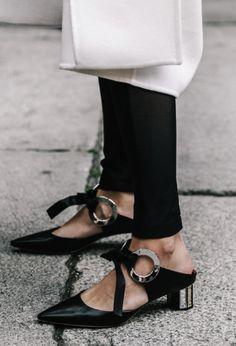 1c92ac2b1d3 ... heels fashion Suppliers  Black Patchwork Eyelet Ribbon Heels Pumps  Fashion Front-tie Mirrored Block Heel Pointed Toe Grommet Leather Mules  Shoes Women