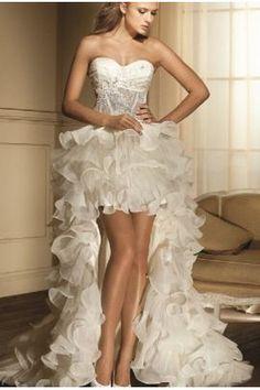 CELINA - abito da sposa corto con coda in organza ,corpetto a cuore decorato con  strass