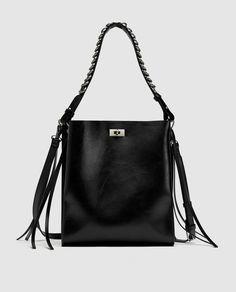 Fringes to make a bag more interesting 6fdd76d72f771