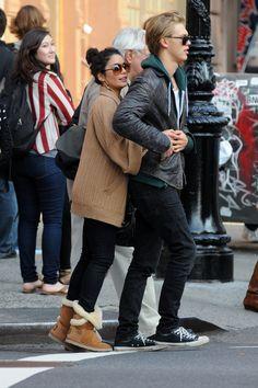 Vanessa Hudgens and Austin Butler Short Celebrities, Celebs, Vanessa Hudgens And Austin Butler, Samsung, Boyfriend Goals, Fashion Couple, Her Style, Just Love, Couple Goals