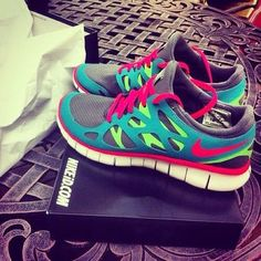LOVE! MY COLORS! Nike Free Run 2.0 womens is good matches with Jeans,Skirt,or Short.55%off NOW!