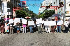BLOQUEAN PERSONAS DE LA TERCERA EDAD PRIMER CUADRO DE LA CAPITAL DEL ESTADO - http://www.tvacapulco.com/bloquean-personas-de-la-tercera-edad-primer-cuadro-de-la-capital-del-estado/