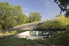 Edgeland House / Bercy Chen Studio  There are a lot of benefits to having planted roofs.