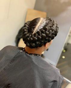 15 Prettiest Halo Braid Hairstyles to Copy Latest Braided Hairstyles, Braided Hairstyles For Wedding, Box Braids Hairstyles, Loose Hairstyles, Halo Braid With Weave, Braids With Weave, Braids With Curls, Long Box Braids, Crown Braids