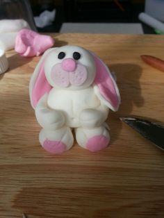 Fondant bunny www.facebook.com/wilddaisy