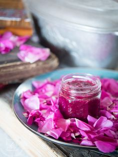 My Favorite Food, Favorite Recipes, Rose Petals, Preserves, Raspberry, Food And Drink, Vegetarian, Tasty, Herbs