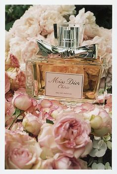 Miss Dior Cherie :: Amazing blend of strawberry leaves, green mandarin, violette, pink jasmine, strawberry sorbet, fresh patchouli, musk, and crystalline. Sure to make heads turn.