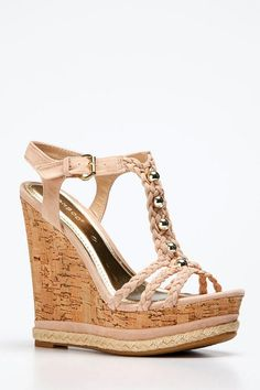 Adorable 50+ Beautiful Wedge Shoes for Women Style https://www.tukuoke.com/50-beautiful-wedge-shoes-for-women-style-5592