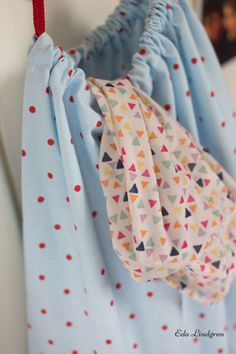 DIY Tutorial: Wäschebeutel selbst nähen | Eda Lindgren Sewing Tutorials, Laundry, Quilts, Creative, Bags, Clothes, Fashion, Bags Sewing, Sewing For Kids