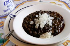 Cuban Black Bean Soup from the Columbia Restaurant in Florida Cuban Black Beans, Black Beans And Rice, Black Bean Soup, Food Network Recipes, Cooking Recipes, Crockpot Recipes, Diet Recipes, Healthy Recipes, Black Bean Cakes
