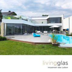 Für Sie bedeutet das: maximale Glasflächen für viel Licht und einen ungestörten Blick in Ihre Umgebung. Style At Home, Minimalism, Windows, Mansions, House Styles, Outdoor Decor, Design, Home Decor, Modern Conservatory