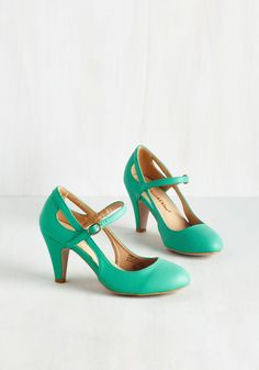 Fountain of Truth Heel - Green, Solid, Cutout, Work, Daytime Party, Mid, Minimal, Darling, Good