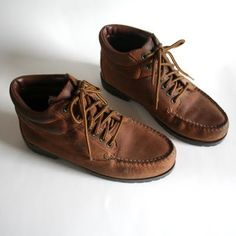 Thoreau's Daughter: Cute Hiking Boots. Need a pair of hiking boots... for adventures and work