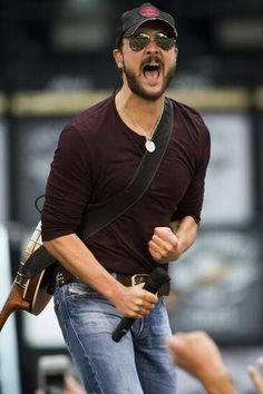 """Eric Church, Kansas City, Missouri """"do you think about me.....when you think about 17?!"""""""
