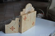 Butai en madera para kamishibai hecho a mano. Handmade Wooden Butai for Kamishibai.