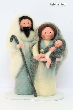I so want to learn how to work with felt (and my main motivation is so I can create a nativity scene). Christmas Nativity Scene, Noel Christmas, Christmas Crafts, Christmas Decorations, Christmas Ornaments, Nativity Scenes, Wet Felting, Needle Felting, Nativity Crafts