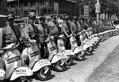 Vespa, Scooters, Motorcycle, Bike, Antique Pictures, Wasp, Bicycle, Hornet, Motor Scooters