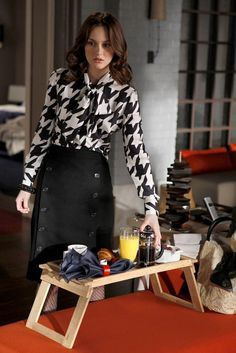 Perfekt Blair Waldorf In The Alexander McQueen Houndstooth Blouse   The Debarted)