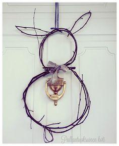 Pullantuoksuinen koti: DIY: Risupupu -ovikoriste. Easter decor