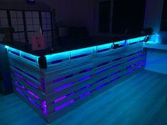 Ladentheke aus Europaletten mit LED Beleuchtung