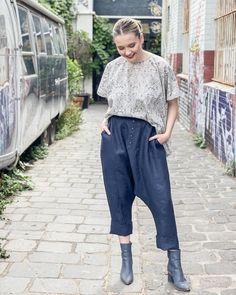 68 Likes, 0 Comments - Eva's Sunday Pants Pattern, Linen Fabric, Parachute Pants, Harem Pants, Sunday, Buttons, Deep, Fashion Outfits, Patterns
