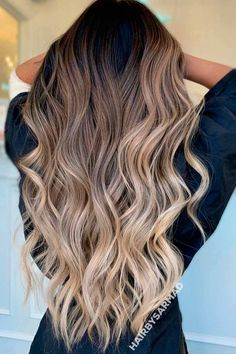Getting balayage hair is a great investment for your stylish look. See how variously you can freshen your base with a new shade without spending a fortune. Balayage Hair Brunette With Blonde, Brown Hair Balayage, Hair Color Balayage, Hair Highlights, Ombre Hair Color, Gorgeous Hair Color, Aesthetic Hair, Hair Looks, Dyed Hair
