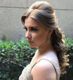Discover penteadossonialopes's instagram image Inspirem-se  #PenteadosSoniaLopes ✨ . . . #sonialopes #cabelo #penteado #noiva #noivas #casamento #hair #hairsty 1565493880623025803_1188035779 • Inswiki