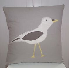 SEAGULL APPLIQUE CUSHION £12.99 Would like a nice blue or yellow colour though