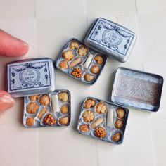 Miniature cookie boxes