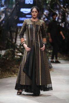 Tarun Tahiliani - Amazon India Fashion Week - Autumn Winter 17 - 9