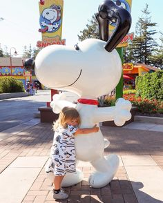 On the blog I'm sharing our visit to @cagreatamerica earlier this Summer. The girls had so much fun on all the Peanuts themed rides in Planet Snoopy. Mathilde sure does love Snoopy  Head over to the blog (link in profile) to see all the fun! #livingwithkids #californiasgreatamerica #cagreatamerica #amusementpark #themepark #planetsnoopy #snoopy #mathilde #letthembelittle #candidchildhood #childhoodunplugged #california