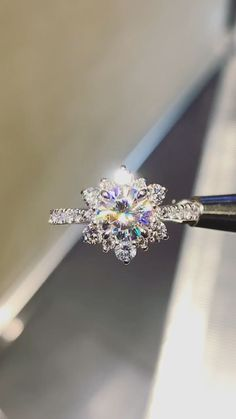 Diamond Jewelry, Silver Jewelry, Fine Jewelry, Jewlery, Silver Earrings, Silver Ring, Swarovski Jewelry, Vintage Earrings, Crystal Earrings