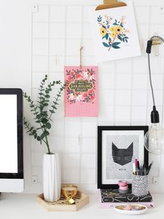 Having a bright, tidy workspace is the secret to getting through your to-do list, so I always make sure my desk looks organised and inspirational! I've had some requests for a 'workspace styling ti...