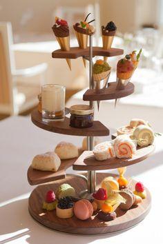 www.kempinski.com assets kempinski-grand-hotel-des-bains RestaurantsBars _resampled resizedimage480721-High-Tea-and-more.jpg