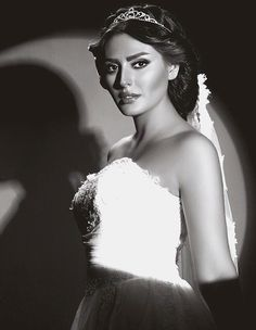 Black and White photography from Persian bride with beautiful hairstyle and nice makeup.